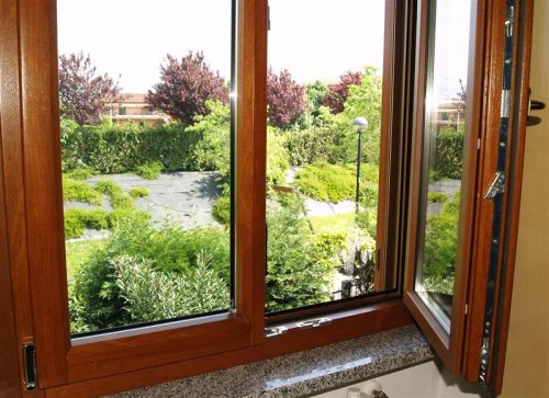 price renovation house in London windows and door London,.